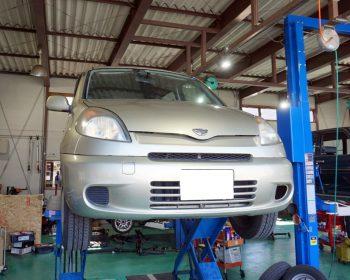 トヨタファンカーゴ修理